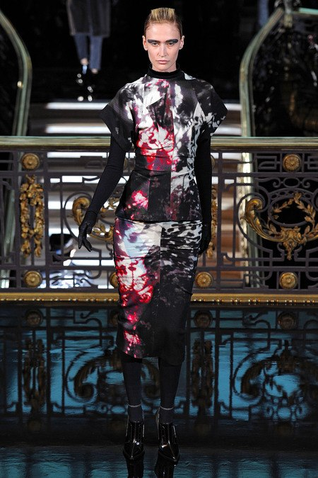 images/cast/10151259020637035=Fall 2013_14 COLOUR'S COMPANY fabrics x=j.galliano paris